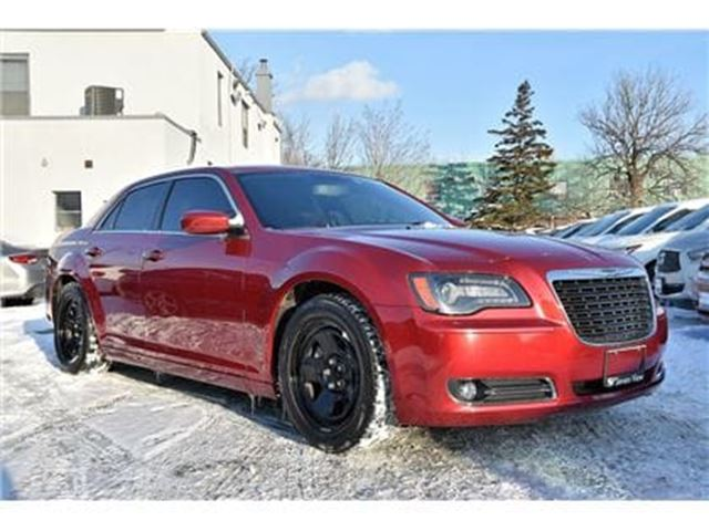 2012 CHRYSLER 300 S Leather, Panoramic Sunroof, Only 49, 000 KMS  in Concord, Ontario
