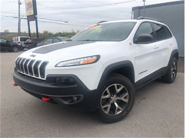 2015 JEEP CHEROKEE Trailhawk 4x4 NAVIGATION LEATHER PANORAMA ROOF in St Catharines, Ontario