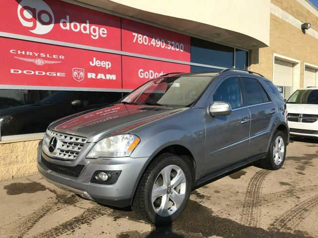 2010 MERCEDES-BENZ M-CLASS ML350 4MATIC / GPS Navigation / Sunroof in Edmonton, Alberta