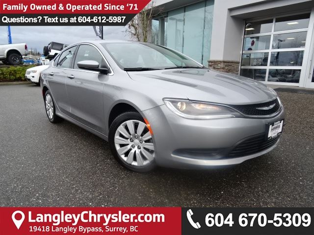 2015 CHRYSLER 200 LX <b>*LOW KMS*BLUETOOTH*TOUCHSCREEN*<b> in Surrey, British Columbia