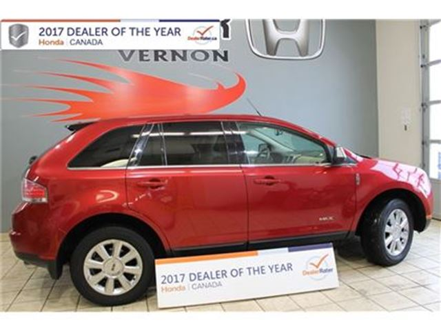 2008 LINCOLN MKX AWD Leather, Roof, Nav, Sync, Air, Adaptive C... in Vernon, British Columbia