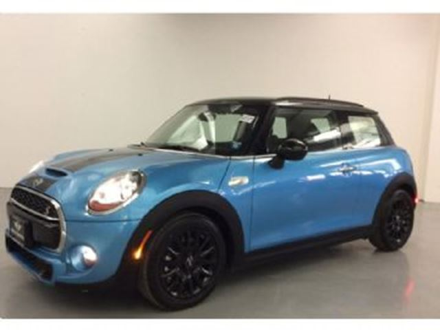 2016 MINI COOPER 3dr HB Essentials Package in Mississauga, Ontario