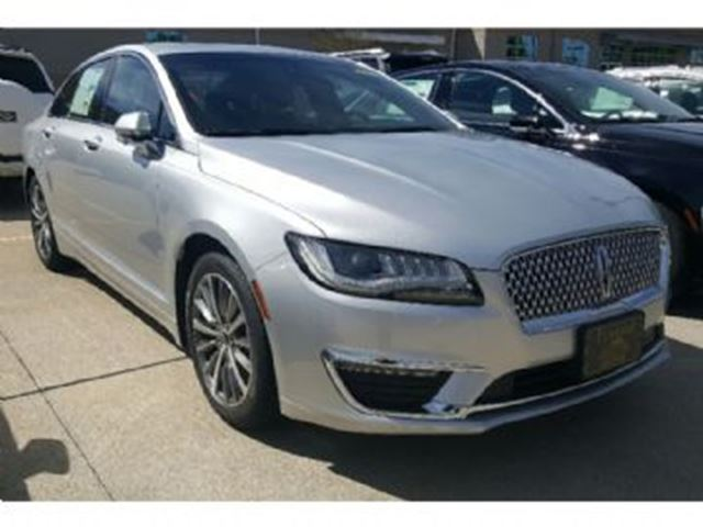 2017 LINCOLN MKZ Reserve AWD w/Glass sunroof & Tech package in Mississauga, Ontario
