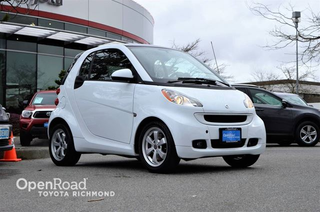 2011 SMART FORTWO Passion, Heated seats, A/C, Power windows in Richmond, British Columbia