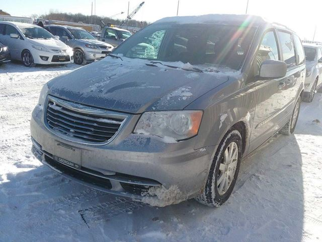 2015 CHRYSLER TOWN AND COUNTRY           in Innisfil, Ontario