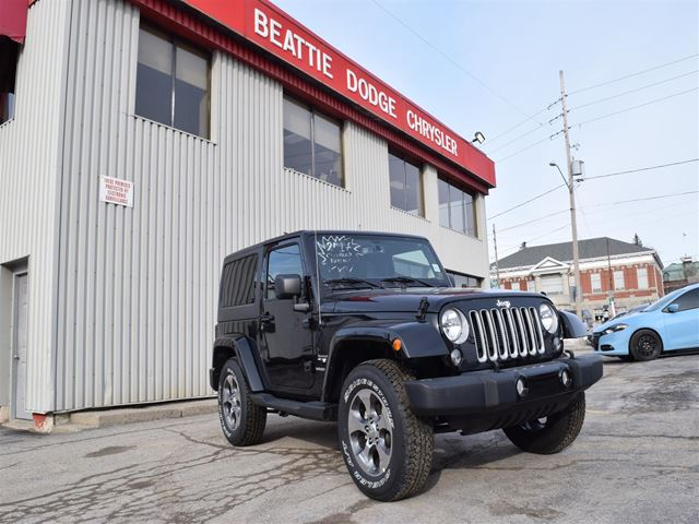 2017 JEEP WRANGLER Sahara DEALER DEMO/ BLUETOOTH/ 4X4/ SOFT TOP in Brockville, Ontario