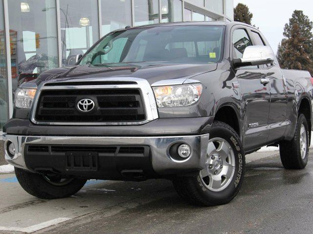 2012 TOYOTA TUNDRA SR5 5.7L V8 4dr 4x4 Double Cab in Kamloops, British Columbia