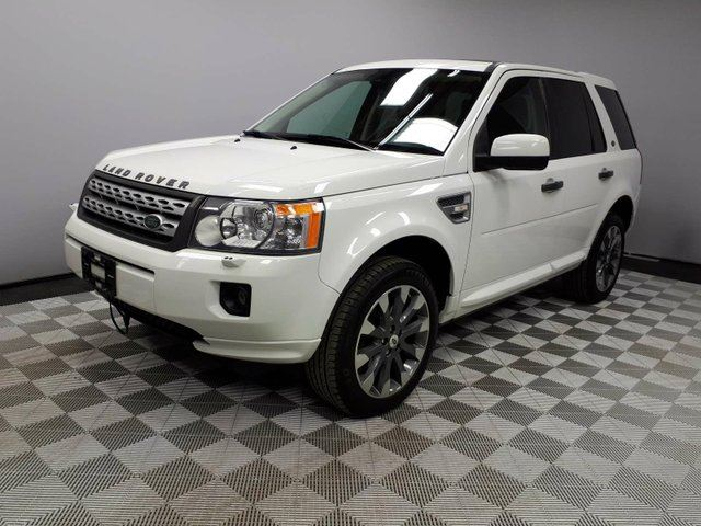 2012 LAND ROVER LR2 HSE LUX - CPO 6yr/160000kms manufacturer warranty included until November 29, 2018! Local Alberta Trade In | 3M Protection Applied | Upgraded Leather | Parking Sensors | Heated Windshield with Rain Sensing Wipers | Heated Front Seats | 19 Inch Wheels in Edmonton, Alberta
