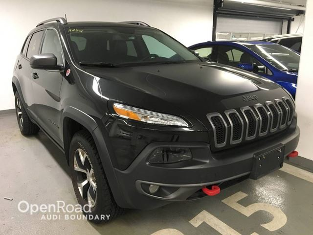 2016 JEEP CHEROKEE 4WD 4dr Trailhawk LOW KM  BACK UP CAMERA in Vancouver, British Columbia