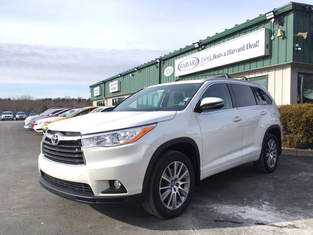 2016 TOYOTA HIGHLANDER XLE SPRING CLEAN UP! in Lower Sackville, Nova Scotia