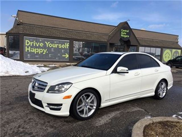 2012 MERCEDES-BENZ C-CLASS 250 /AWD/ NAVIGATION / SUNROOF in Fonthill, Ontario