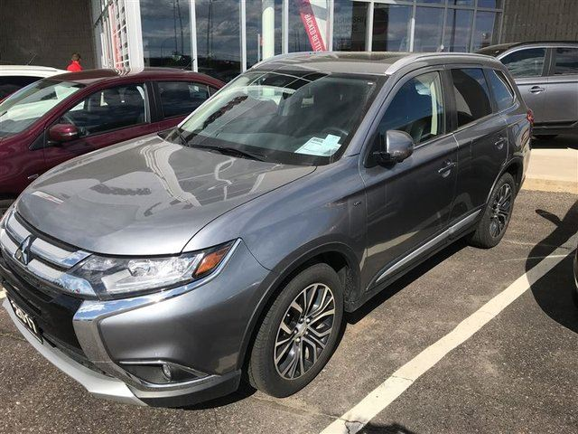 2017 MITSUBISHI OUTLANDER GT 7 Passenger, V6, Leather, Heated Wheel in Thunder Bay, Ontario
