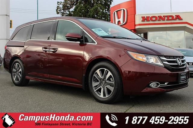 2016 HONDA ODYSSEY Touring in Victoria, British Columbia