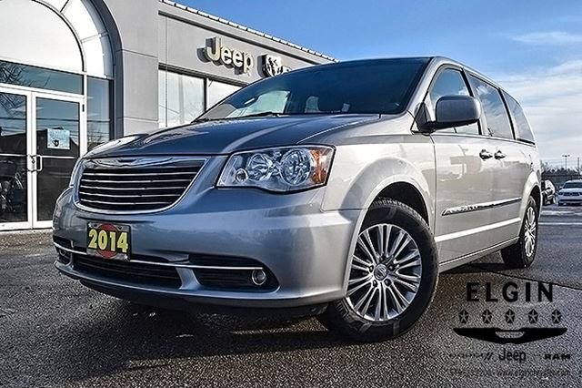 2014 CHRYSLER TOWN AND COUNTRY Touring-L in St Thomas, Ontario