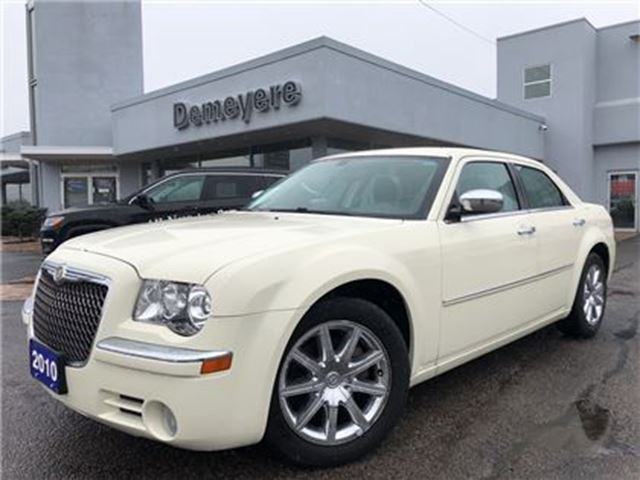 2010 CHRYSLER 300 Limited in Simcoe, Ontario
