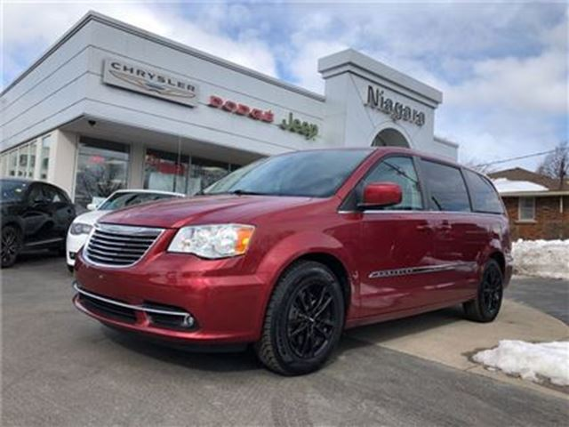 2013 CHRYSLER TOWN AND COUNTRY TOURING,PWR DOORS,LIFTGATE,ALLOYS in Niagara Falls, Ontario