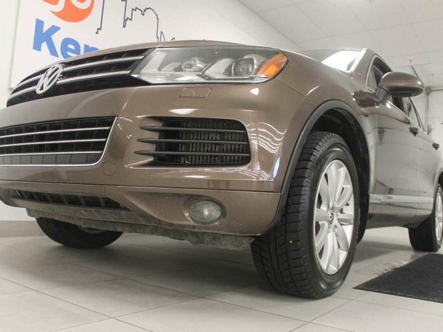 2014 volkswagen touareg 3 0 tdi highline nav sunroof heated power leather seats power. Black Bedroom Furniture Sets. Home Design Ideas