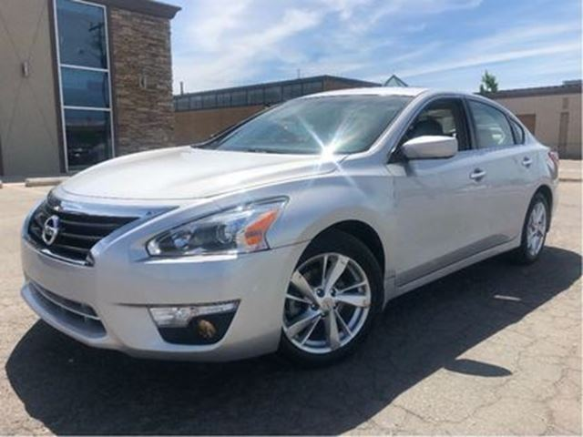 2013 NISSAN ALTIMA 2.5 SV SUNROOF MAGS HEATED FRONT SEATS in St Catharines, Ontario