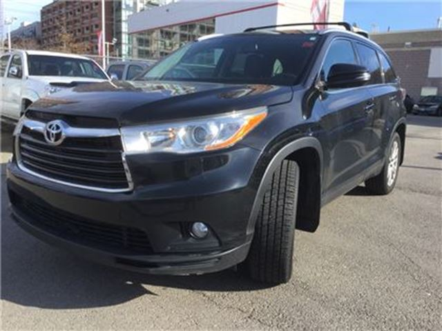 2014 TOYOTA Highlander XLE AWD- NAV  S.ROOF  B.CAM  B.TOOTH  LEATHER  FOG in Toronto, Ontario