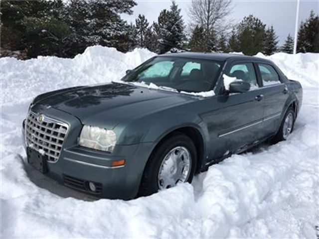 2005 CHRYSLER 300 Touring / YOU CERTIFY $$$ YOU SAVE $$ in Fonthill, Ontario