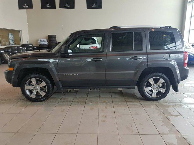 2017 JEEP PATRIOT Sport/North - Heated Leather, Sunroof + Media Inputs! in Red Deer, Alberta