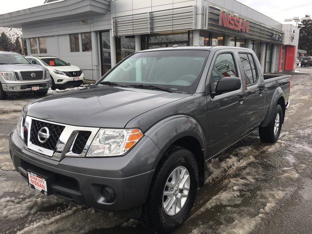 2017 NISSAN FRONTIER SV 4x4 Crew Cab 6 ft. box 139.9 in. WB in Kamloops, British Columbia
