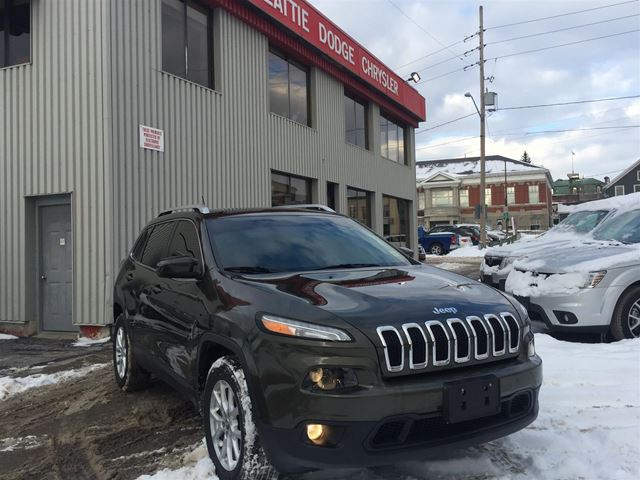 2015 JEEP CHEROKEE North 4x4/ BLUETOOTH/ HEATED GROUP in Brockville, Ontario