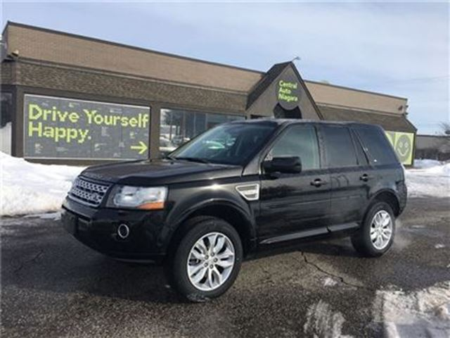 2014 LAND ROVER LR2 SE / DUAL PANEL SUNROOF / LEATHER / HEATED SEATS in Fonthill, Ontario