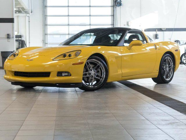 2007 CHEVROLET CORVETTE 3LT with Glass Roof and Z06 Wheel Package in Kelowna, British Columbia