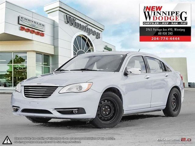 2012 CHRYSLER 200 Limited with 2 sets of tires in Winnipeg, Manitoba