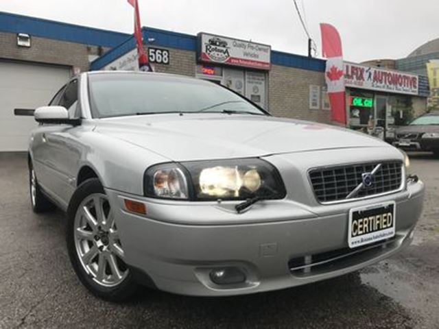 2005 VOLVO S80 2.5L_ACCIDENT FREE_LEATHER_SUNROOF_AWD in Oakville, Ontario