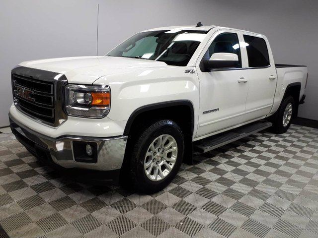 2014 GMC SIERRA 1500 SLE Z71 - Local One Owner Trade In | No Accidents | Trailer Hitch | Box Liner | Running Boards | Remote Starter | 18 Inch Wheels | Power Seats | Media Screen with Back Up Camera | Dual Zone Climate Control with AC | Bluetooth | Very Well Looked After in Edmonton, Alberta