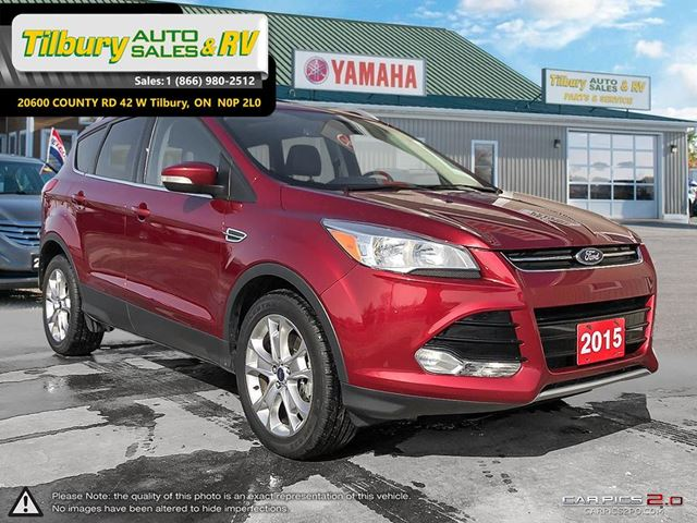 2015 FORD ESCAPE Titanium. LEATHER. GREAT ON GAS. SUNROOF. in Tilbury, Ontario
