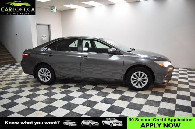 2017 TOYOTA CAMRY LE- BLUETOOTH * BACKUP CAM * LOW KM in Kingston, Ontario
