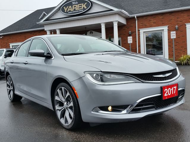 2016 CHRYSLER 200C C, Leather Heated Seats/Wheel, Pano Roof, Back Up Cam, Remote Start in Paris, Ontario