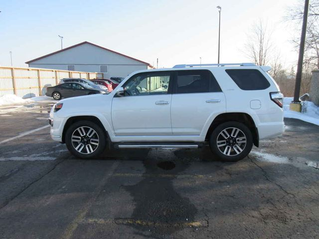 2014 TOYOTA 4RUNNER LIMITED in Cayuga, Ontario