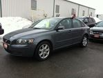 2006 Volvo S40 2.4L auto loaded finance available    in Ottawa, Ontario