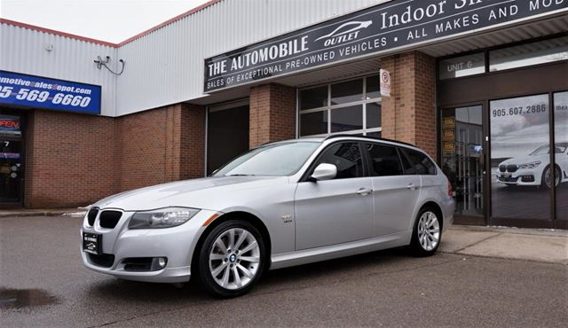 2011 BMW 3 Series 328 328i xDrive WAGON PANO AWD Executive NO ACCIDENT in Mississauga, Ontario