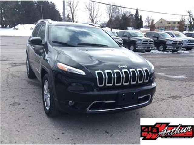 2017 Jeep Cherokee Limited 4x4 With Leather & Back Up Camera in Arthur, Ontario