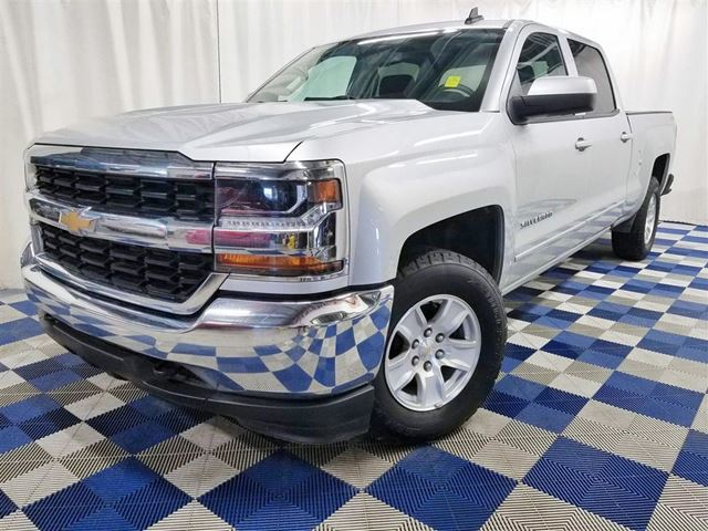 2017 CHEVROLET SILVERADO 1500 LT 4x4/MYLINK/TOUCH SCREEN/REAR CAM! in Winnipeg, Manitoba