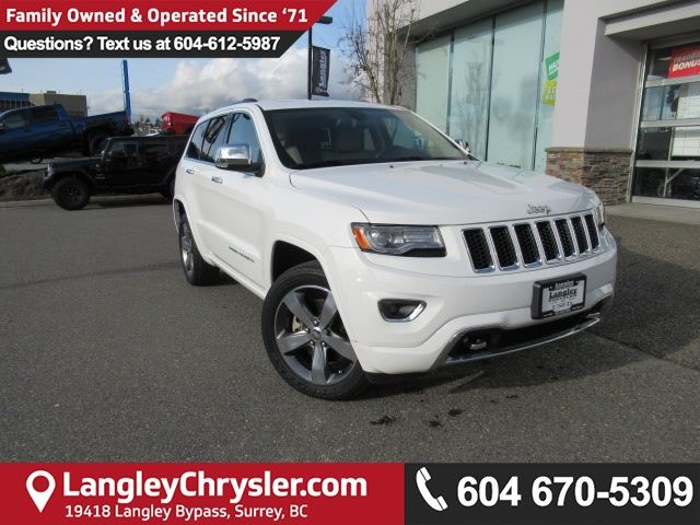 2014 JEEP GRAND CHEROKEE Overland <b>*ACCIDENT FREE*LOW KMS*LOADED*<b> in Surrey, British Columbia