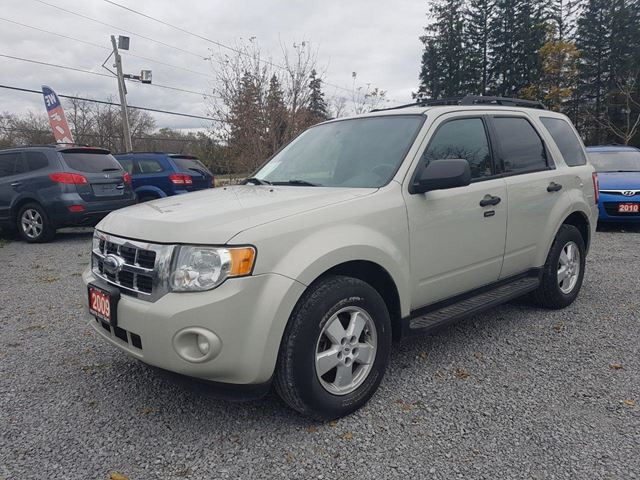 2009 FORD ESCAPE XLT in Stouffville, Ontario