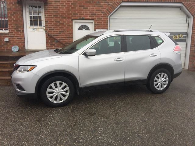 2015 Nissan Rogue S in Bowmanville, Ontario