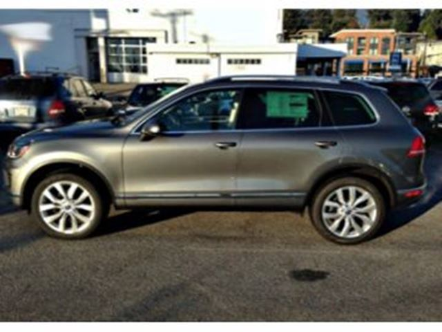 2016 VOLKSWAGEN TOUAREG V6 4MOTION Sportline, Outdoors Package in Mississauga, Ontario