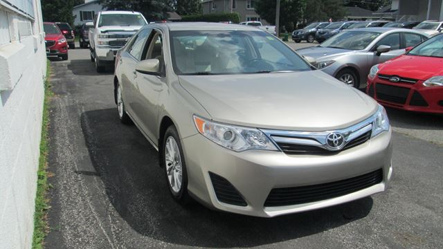 2014 TOYOTA CAMRY LE NAV, BACK UP CAM, BLUETOOTH, ALLOY WHEELS in Kingston, Ontario