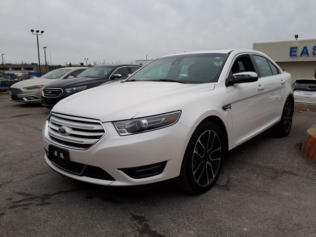 2017 FORD TAURUS Limited in Scarborough, Ontario