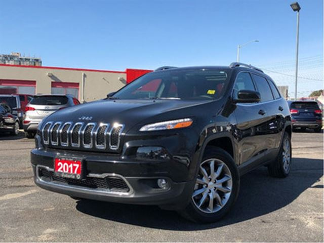 2017 JEEP CHEROKEE LIMITED**LEATHER**SUNROOF**NAV**BACK UP CAM** in Mississauga, Ontario