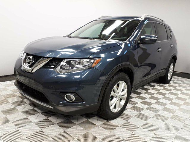 2015 NISSAN ROGUE SV AWD - Local Alberta Trade In | No Accidents | 3M Protection Applied | Heated Front Seats | Climate Control with AC | Panoramic Sunroof | Media Screen | Back Up Camera | 17 Inch Wheels | Bluetooth | All Power Options | Well Looked After in Edmonton, Alberta