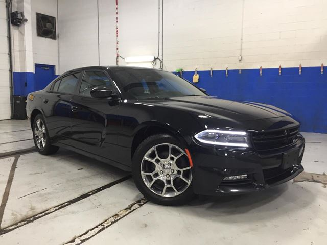 2015 DODGE CHARGER SXT - AWD - NAVIGATION - HEATED SEATS-BACK UP C in Aurora, Ontario