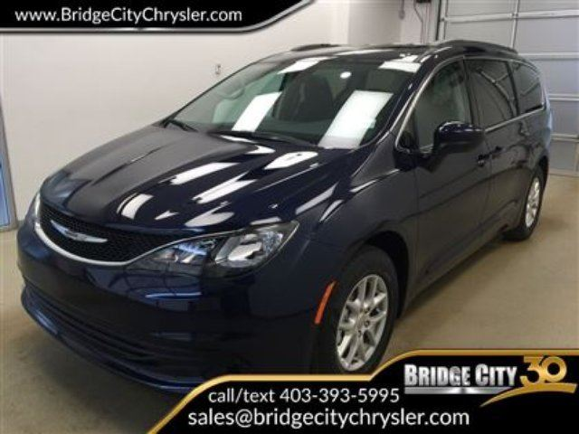 2017 CHRYSLER PACIFICA LX 3.6L, 7 passenger, backup camera in Lethbridge, Alberta